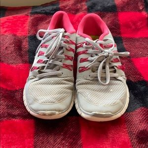 Nike gray and hot pink shoes